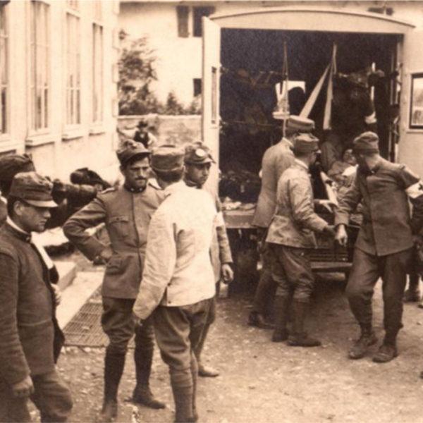arrivo di feriti ad un ospedale di Romans d'Isonzo